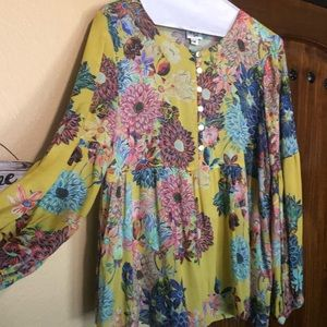 Ivy Jane top; size Med; yellow floral peasant top
